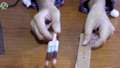 Make your own simple helicopter with cardboard (Urdu)