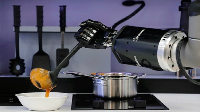 Robot Chef Could Be A Reality As Soon As 2018