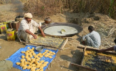 Making of Gur from Sugar Cane Juice