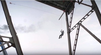 Physicist Proves The Laws Of Physics With One Stunt