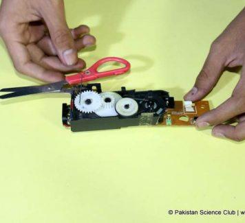 DIY Electric Scissor from CD-ROM