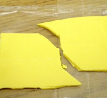 How fractures grow by pulling on a piece of cheese