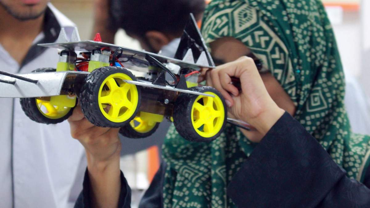Robotics: Learn, Build and Showcase