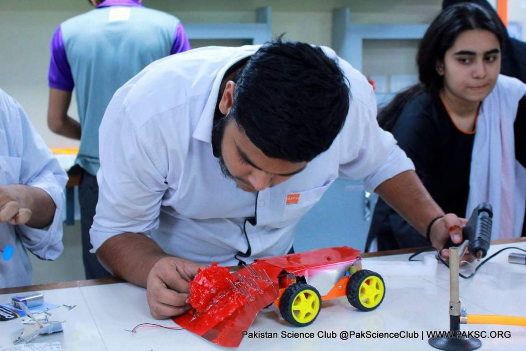 Robotics workshop in Karachi Alpha college